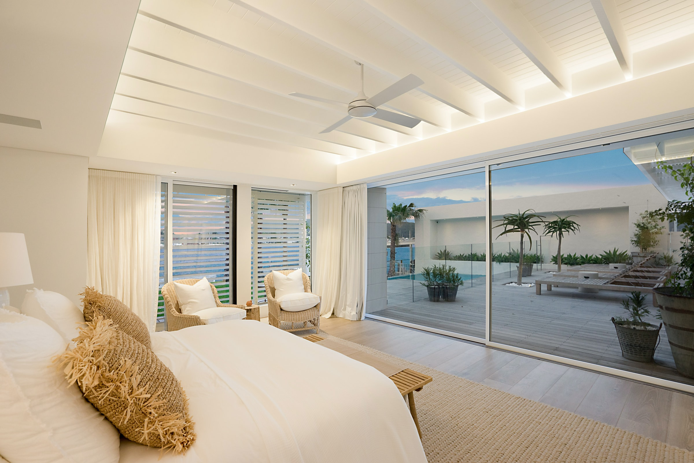 bedroom with view to the pool